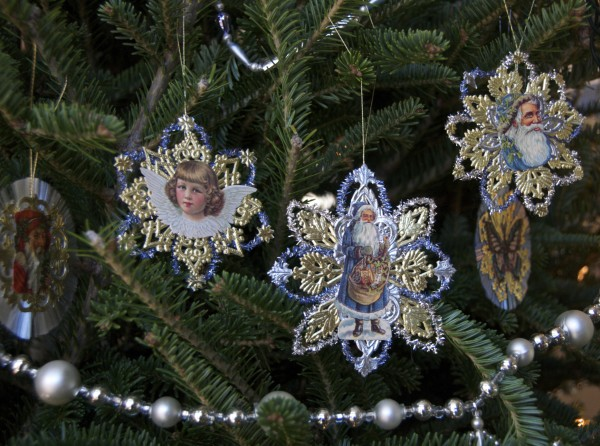 Outstanding Homemade Christmas Ornaments Victorian Paper And Tinsel Stars Easy Diy Christmas Decorations Tissureus